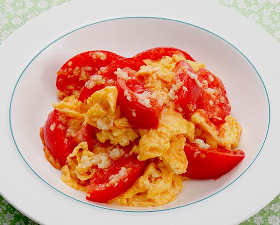 卵とトマトのしょうが炒め