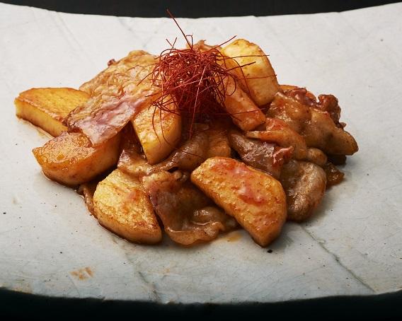 長芋と豚肉の韓国風炒めの画像